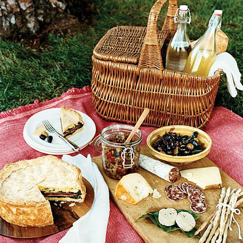 picnic-spread-SunsetMagazine